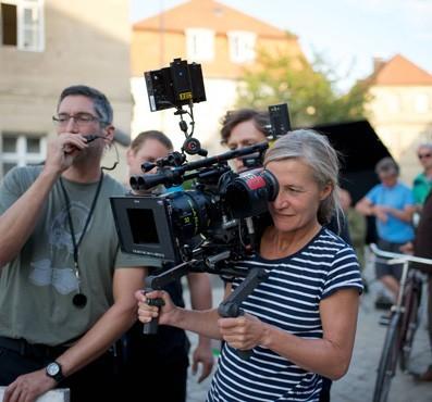Oberbeleuchter Timm Brückner und Kamerafrau Judith Kaufmann beim Dreh von ELSER.