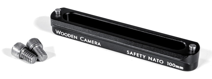 rechts ein Rail von Wooden Camera.