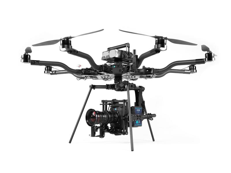 Die Kameradrohne Alta 8 trägt bis zu 20 Pfund (9 Kilogramm) Zuladung.