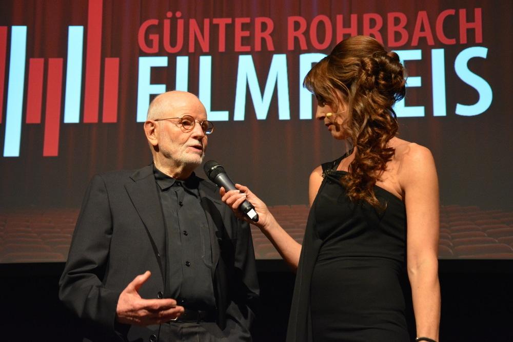 Günther Rohrbach und Moderatorin Sabrina Staubitz