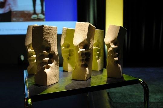 Die Skulpturen des Deutschen Menschenrechts-Filmpreises 2016