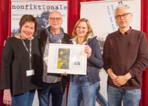 Die Gewinner des AVID-Schnittpreises Ulrike Franke und Michael Loeken: (von links nach rechts: Anne Even (Jurymitglied), Michael Loeken, Ulrike Franke, Attila Boa (Jurymitglied))