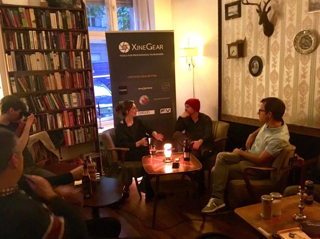 Der Erste Kameradialog Live fand im Café Herman Schulz in Berlin statt