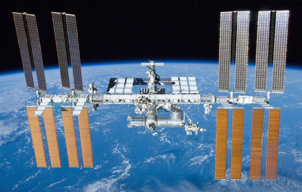 Die Weltraumstation ISS im Orbit der Erde