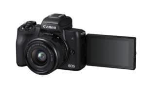 Die EOS M50 von Canon ist die erste spiegellose Systemkamera des Herstellers, die Aufnahmen in 4K leistet.