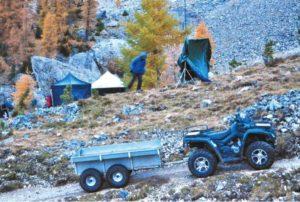 Für die Logistik am Berg wichtig: Allrad-Quads.