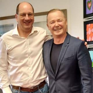 Kay Grätsch, Gründer und Chef der Video Data Gruppe (links) und Ralf P. Pfeffer, CEO der Teltec AG.