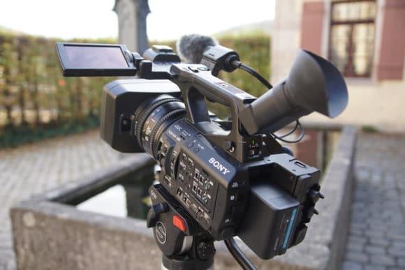 Sony PXW Z280 auf einem Stativ
