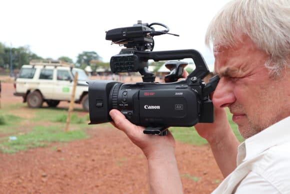 Bernd Siering mit dem Canon Camcorder XA55