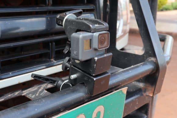Eine GoPro Hero 5 ans Auto geriggt
